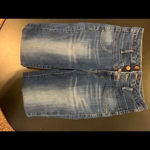 639613930f Women Refuge High Waist Jeans on Poshmark